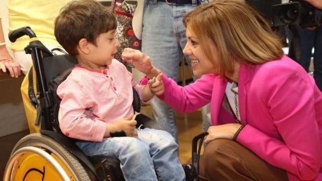 Cospedal-discapacitados-difundido-campana-electoral_EDIIMA20150518_0280_4